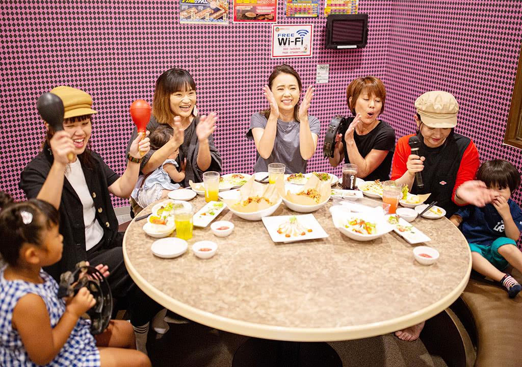 写真:キッズルーム付カラオケルーム